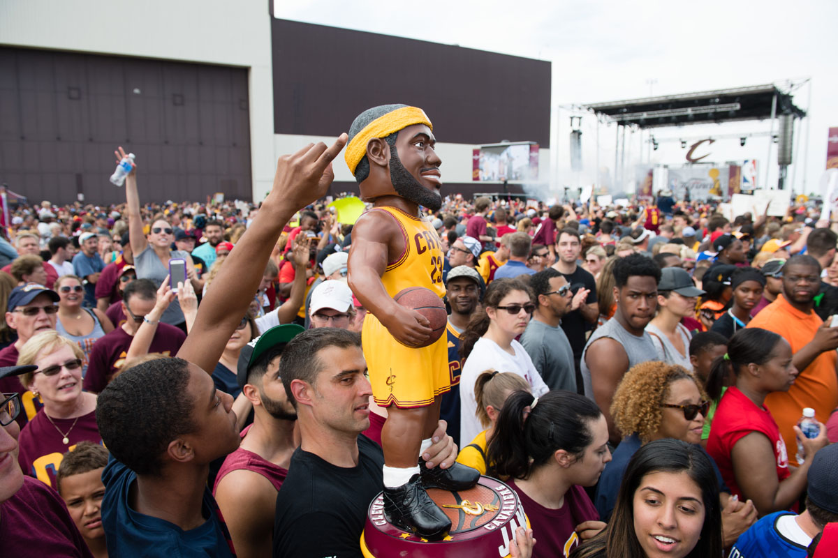 Cavaliers return home with Cleveland's first title in 52 years
