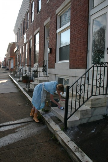 Artist Megan Hildebrand spent a year washing steps in East Baltimore every Saturday, hoping to revive the lost tradition. (Image courtesy of the artist)