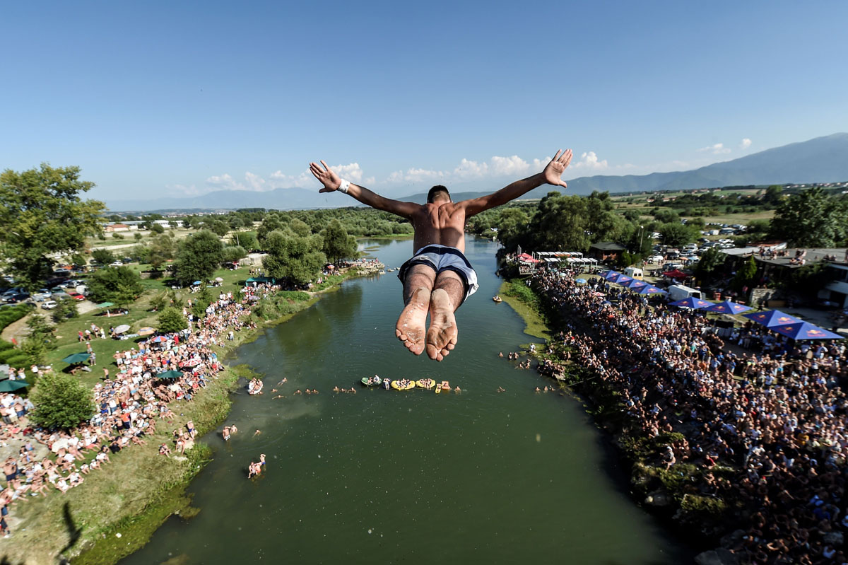 Kosovo's high-diving competition