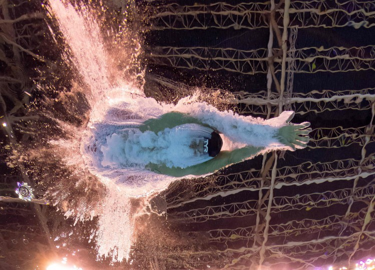 An Olympian takes part in the Men's 1500m Freestyle heats during the swimming event at the Rio 2016 Olympic Games at the Olympic Aquatics Stadium in Rio de Janeiro on August 12, 2016. / (AFP Photo/Franáois-xavier Marit)