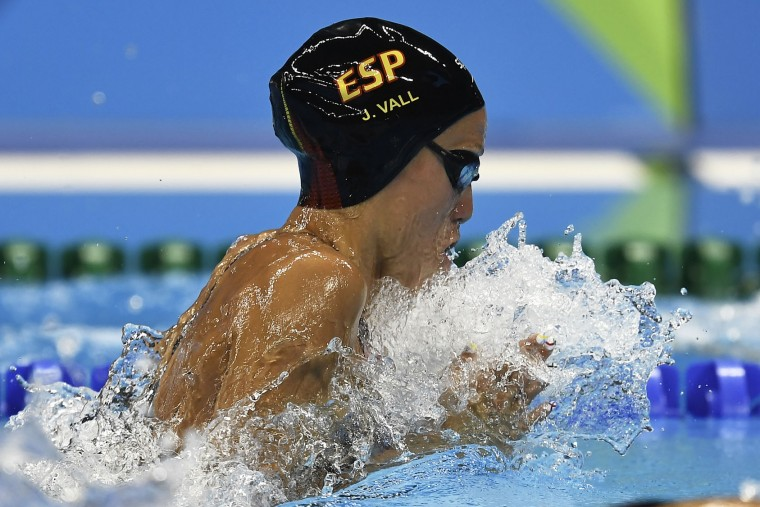 Spain's Jessica Vall Montero competes during the women's 200-meter breaststroke semifinal during the swimming competitions at the 2016 Summer Olympics, Wednesday, Aug. 10, 2016, in Rio de Janeiro, Brazil. (AP Photo/Martin Meissner)