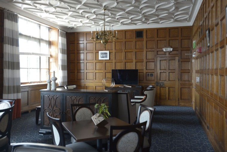 A tenth-floor boardroom has been converted into a classy common area at the Lenore apartments, once the Federal Reserve Bank in Baltimore. (Christina Tkacik/Baltimore Sun)