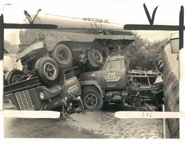 River Road in Elkridge following Hurricane Agnes, June 23, 1972. (Walter M. McCardell/Baltimore Sun)