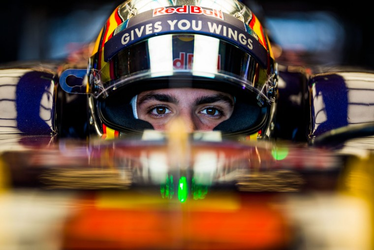 Carlos Sainz of Scuderia Toro Rosso and Spain during practice for the United States Formula One Grand Prix at Circuit of The Americas on October 21, 2016 in Austin, United States. (Photo by Peter Fox/Getty Images)