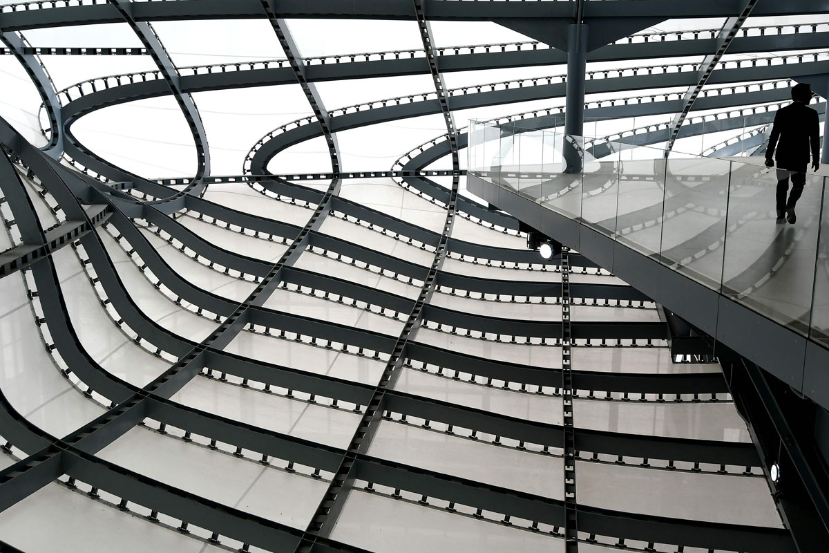 Walk among 'the cloud' at Rome's convention center