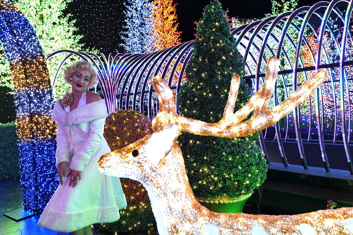 Santa's All-Star Christmas at Universal Studios Singapore