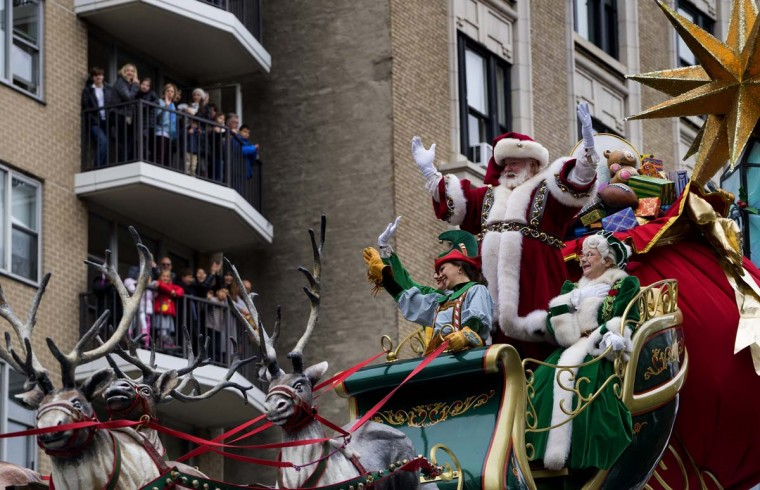 Santa Claus waves to spectators along Central Park West during the Macy's Thanksgiving Day Parade in New York Thursday, Nov. 24, 2016. (AP Photo/Craig Ruttle)