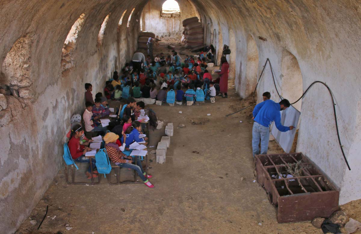 In Syria, makeshift schools created for displaced children