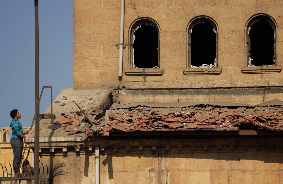 Bomb blast at Cairo church kills at least 25