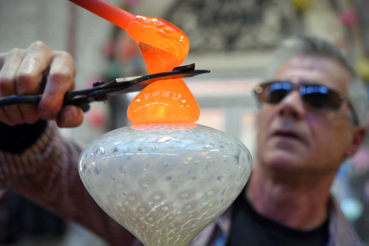Hot glass, cool art: Inside the studio of Anthony Corradetti