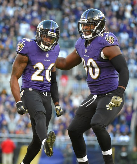 Baltimore, Maryland--11/6/16-- Ravens' #26 Jerraud Powers and teammate #90 Zd'Darius Smith celebrate Powers'sack of  Steelers quarterback #7 Ben Rothlisberger in the 4th quarter at M&T Bank Stadium.  (Lloyd Fox/Baltimore Sun)