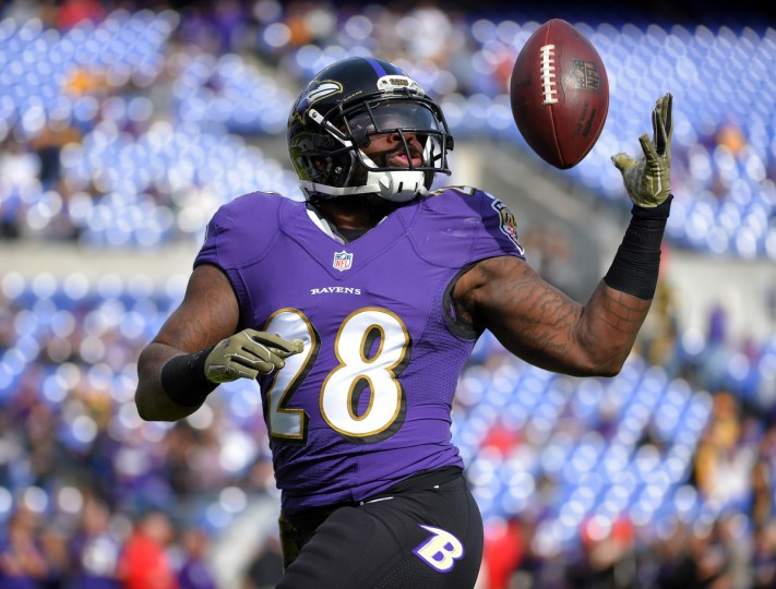 Baltimore, Maryland--11/6/16-- Terrence West makes a one-handed catch during pregame drills before playing the Pittsburgh Steelers at M&T Bank Stadium.  (Lloyd Fox/Baltimore Sun)