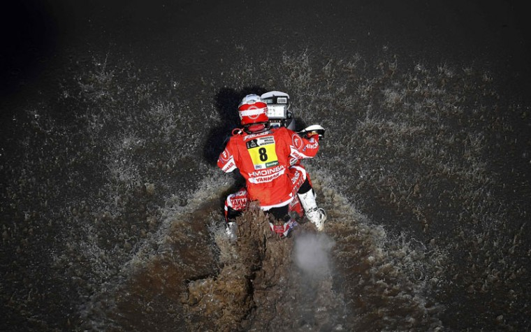 Spain's Gerard Farres Guell powers his Yamaha during Stage 1 of the Dakar 2017 between Asuncion and Resistencia, Argentina, on January 2, 2017. (FRANCK FIFE/AFP/Getty Images)