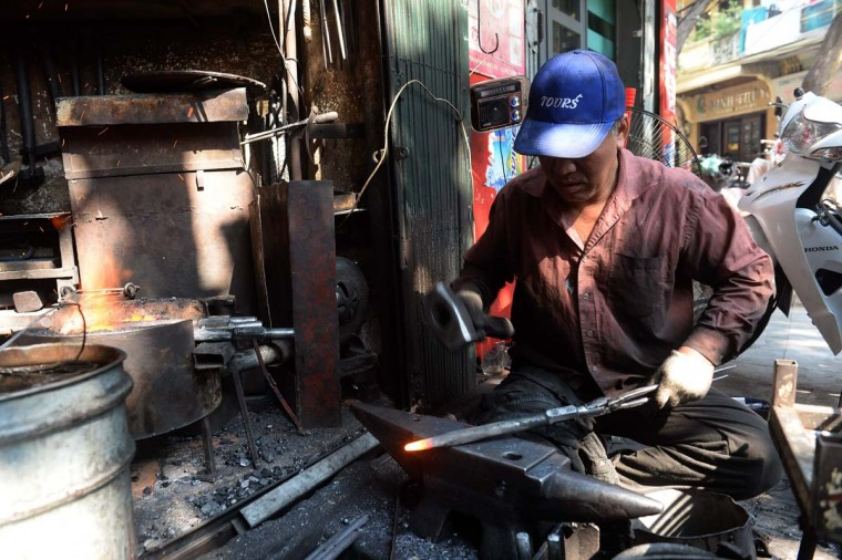 VIETNAM-LIFESTYLE-ECONOMY-BLACKSMITH