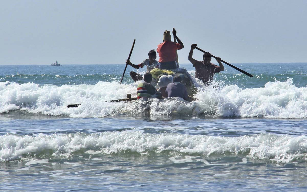 Ban on makeshift fishing boats in Myanmar