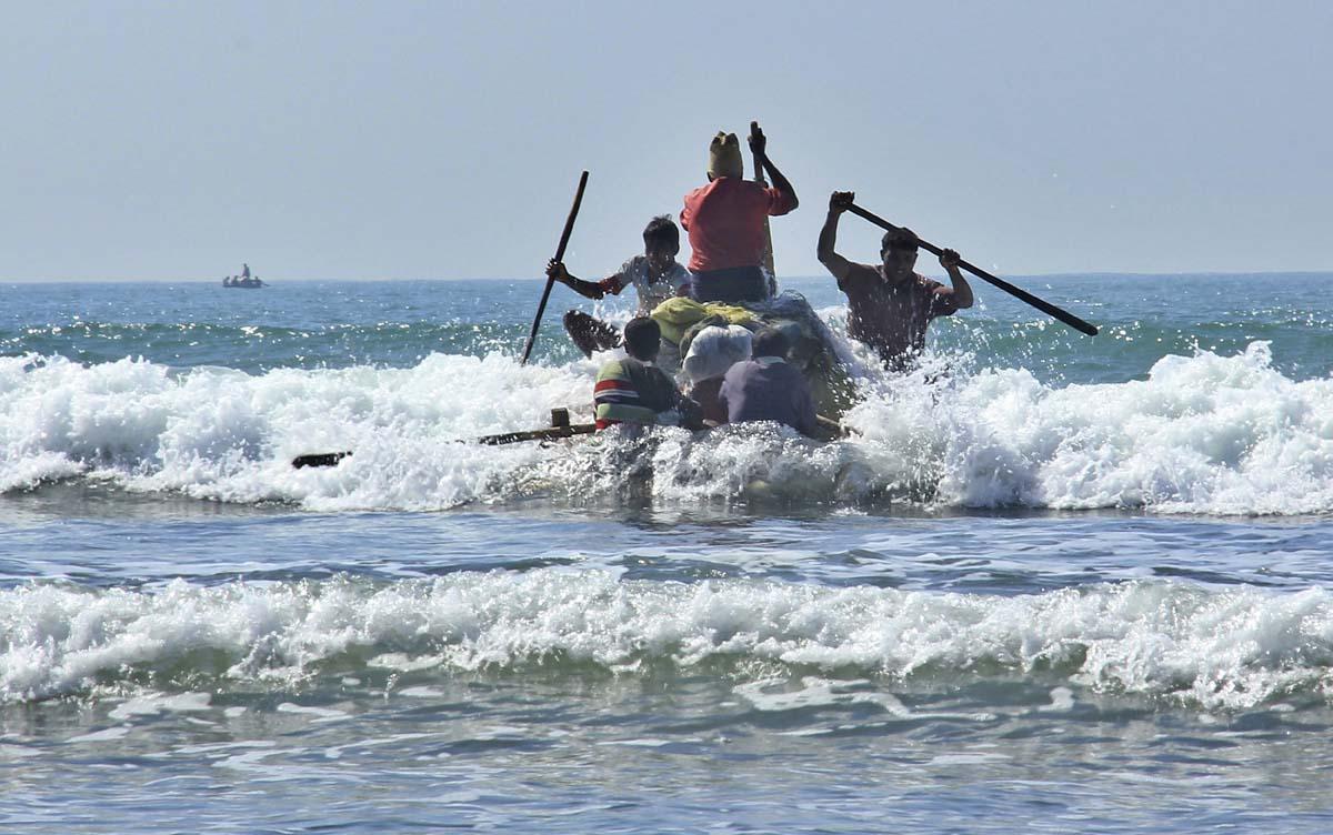 Ban on makeshift fishing boats in Myanmar