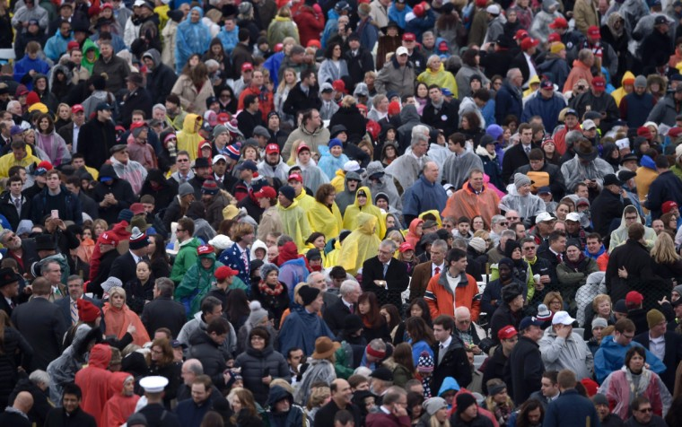 Members of the public arrive on the Mall in Washington, DC, on January 20, 2017, before the swearing-in ceremony of US President-elect Donald Trump. (Brendan Smialowski/Getty Images)