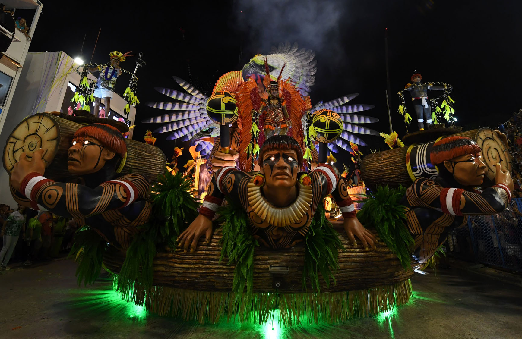 carnival in brazil Carnival in brazil is the festival of festivals rich in vibrant music, exotic costumes, dancing, drinking, the brazil carnaval is the world's largest celebration.