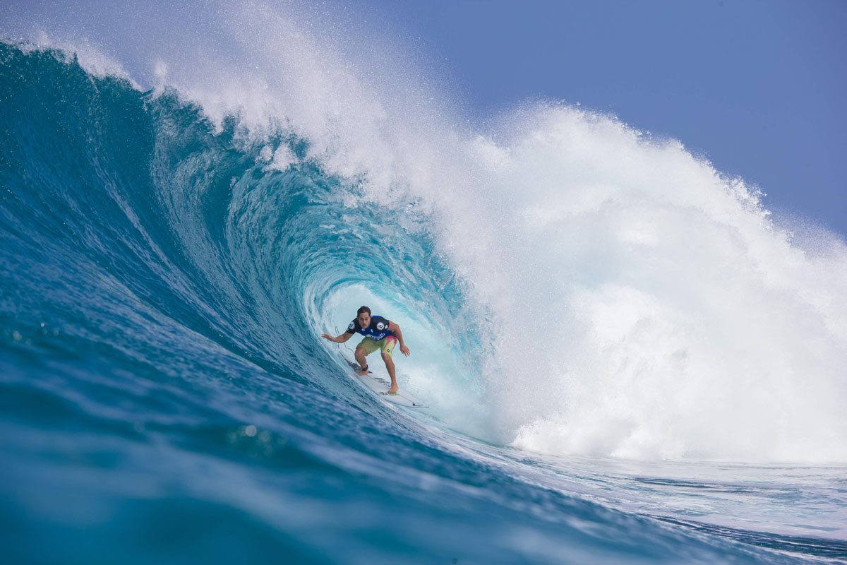 "Catching waves at ""Pipeline"" in Hawaii"