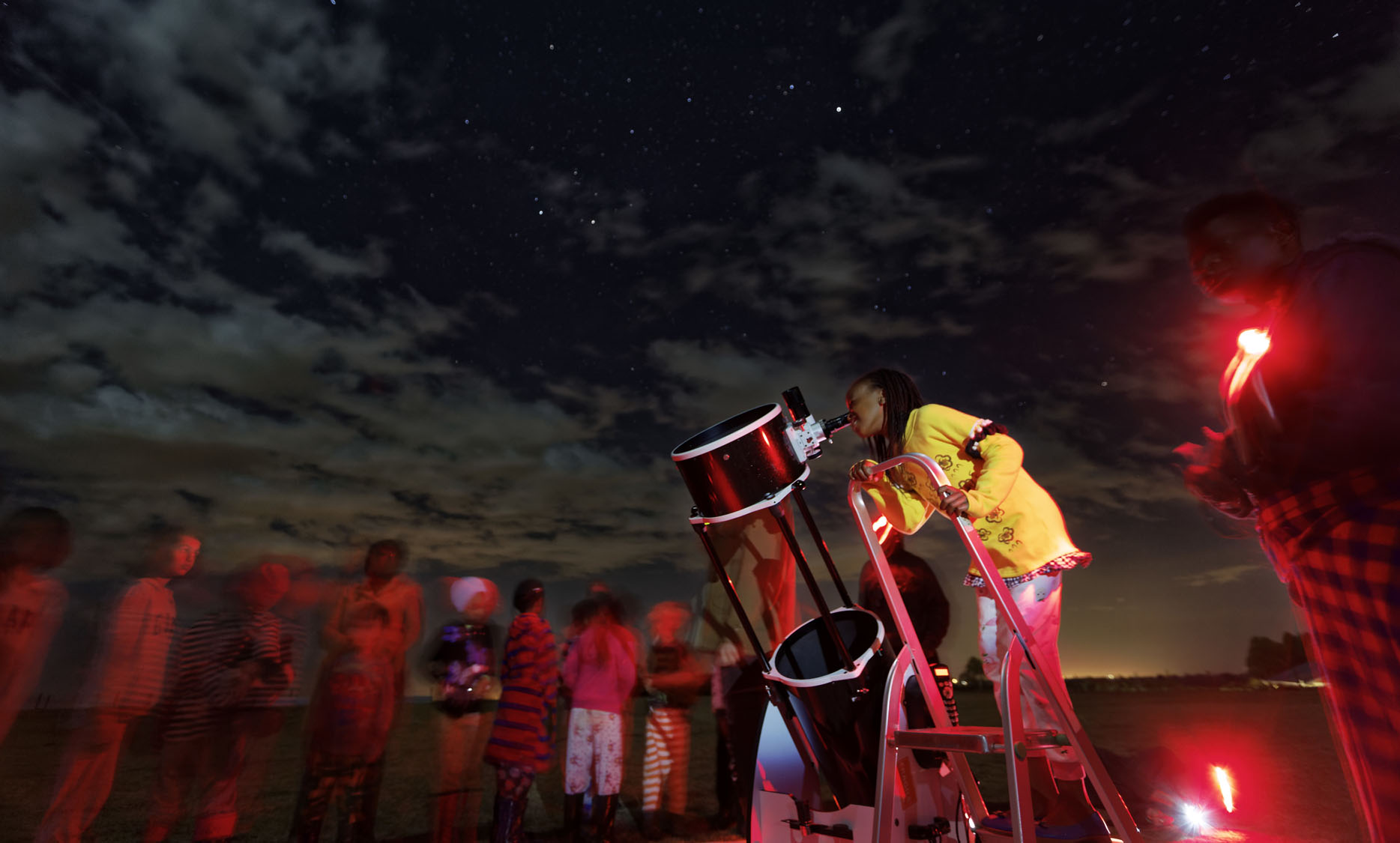 Traveling Telescope teaches Kenyan students the science of astronomy