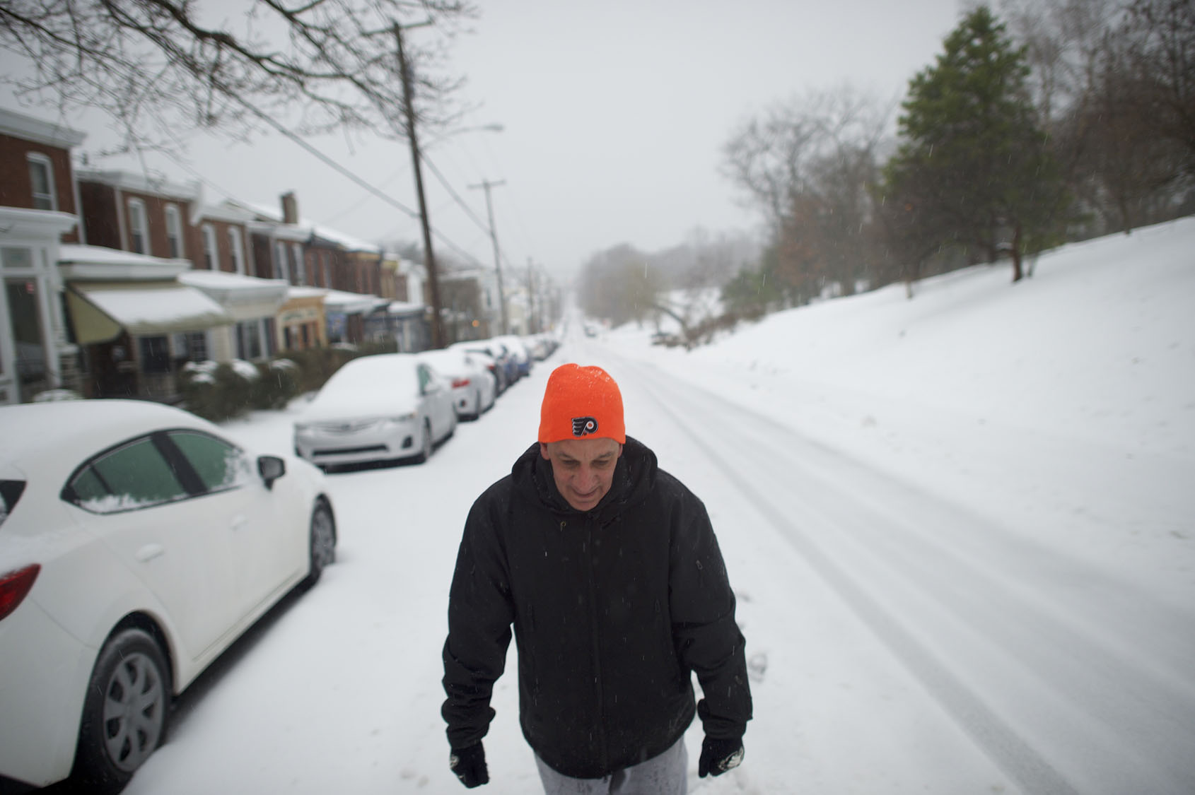 Heavy snow, high winds hit the Northeast