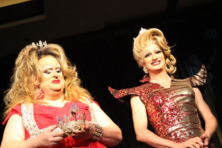 Passing of the Miss MD crown; Joanna Blue and Truly Fabu. (Michael J. Palmisano with Palmisano Productions)