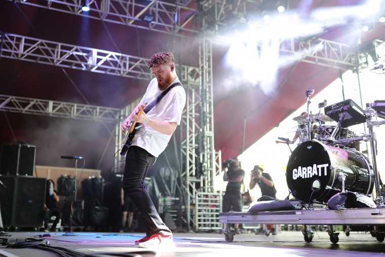 Singer Jack Garratt performs on the Coachella Stage during day 3 of the Coachella Valley Music And Arts Festival (Weekend 1) at the Empire Polo Club on April 16, 2017 in Indio, California. (Photo by Neilson Barnard/Getty Images for Coachella)