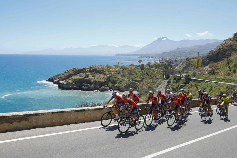 Italy's rider of team Bahrain - Merida Vincenzo Nibali (front L) and Giovanni Visconti (front R) train with teammates along the sea on the first rest day of the 100th Giro d'Italia, Tour of Italy, on May 8, 2017 in Trabia, Sicily. (Luk Benies/AFP/Getty Images)