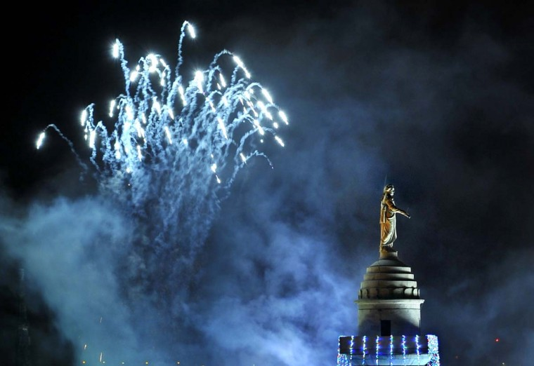 The 39th annual lighting of the Washington Monument in Mount Vernon Square on Dec. 2, 2010, from the Peabody Court Hotel. (Amy Davis / Baltimore Sun)