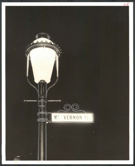 New street lamp on Mount Vernon Place in 1966. (Baltimore Sun photo)