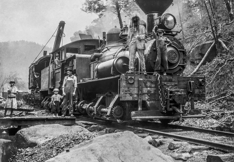 A spur of the B&O Railroad made hauling timber out of Richwood possible, creating in the wilderness of central West Virginia a boomtown whose population once reached 10,000.
