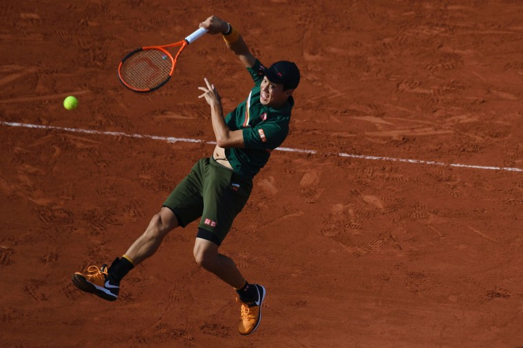 Japan's Kei Nishikori returns the ball to Britain's Andy Murray during their tennis match at the Roland Garros 2017 French Open on June 7, 2017 in Paris. (Gabriel Bouys/AFP/Getty Images)