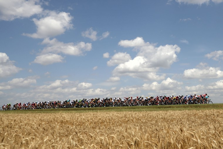 The peloton rides through the countryside during stage seven of the 2017 Le Tour de France, a 213.5km stage from Troyes to Nuits-Saint-Georges on July 7, 2017 in Nuits-Saint-Georges, France. (Photo by Chris Graythen/Getty Images)