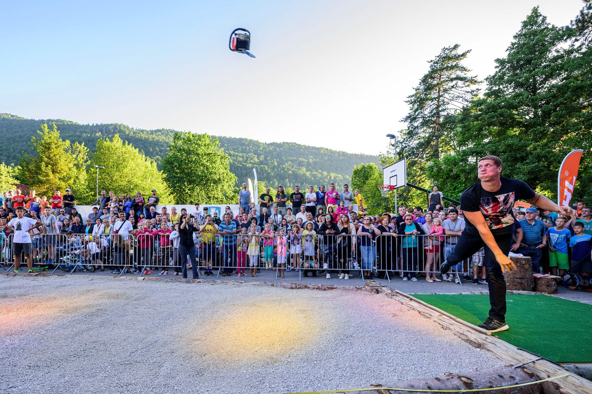 Chainsaw Throw Championship in Slovenia