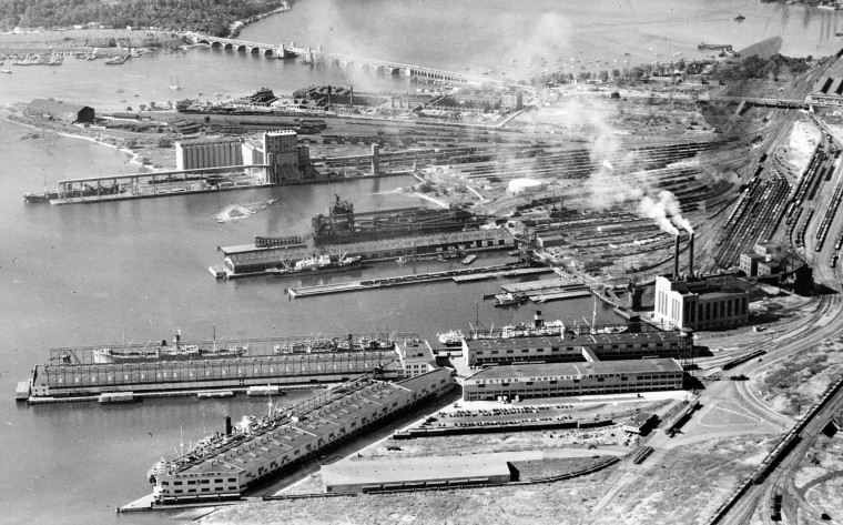 Port Covington piers in front of Gould St plant in 1940. (Robert Kniesche/Baltimore Sun)