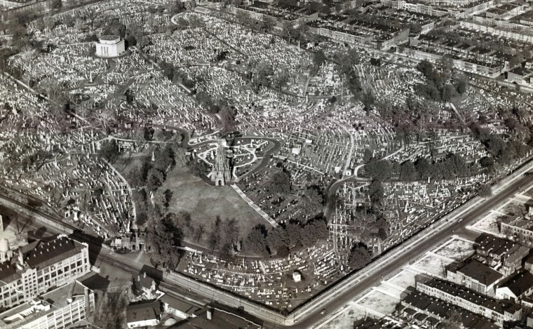 Greeenmount Cemetery is photographed from above in 1938. (Robert Kniesche/Baltimore Sun)