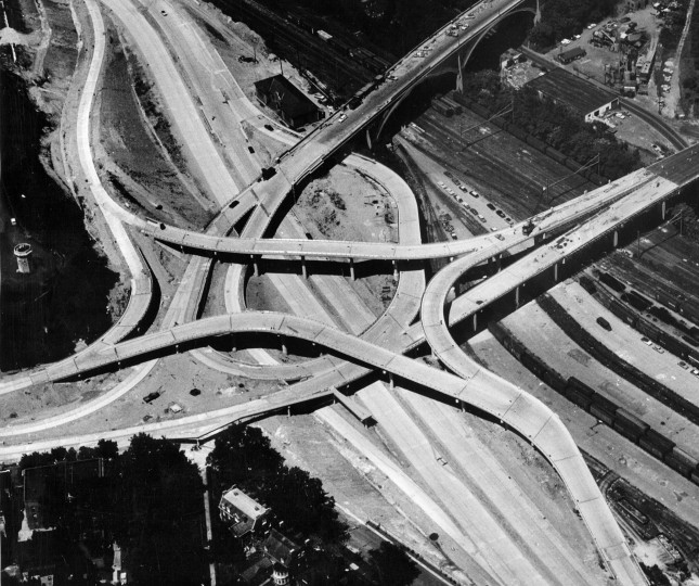 The Jones Fall Expressway interchange is seen under construction at 28th street in Baltimore in August of 1961. (Robert F. Kniesche/Baltimore Sun)