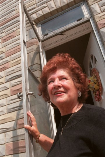 Ida Esposito, 79, interviewed for a film about Formstone, has lived in her Exeter St. rowhouse in Little Italy for 47 years. It was covered in Formstone in 1951. (Amy Davis/Baltimore Sun archives)