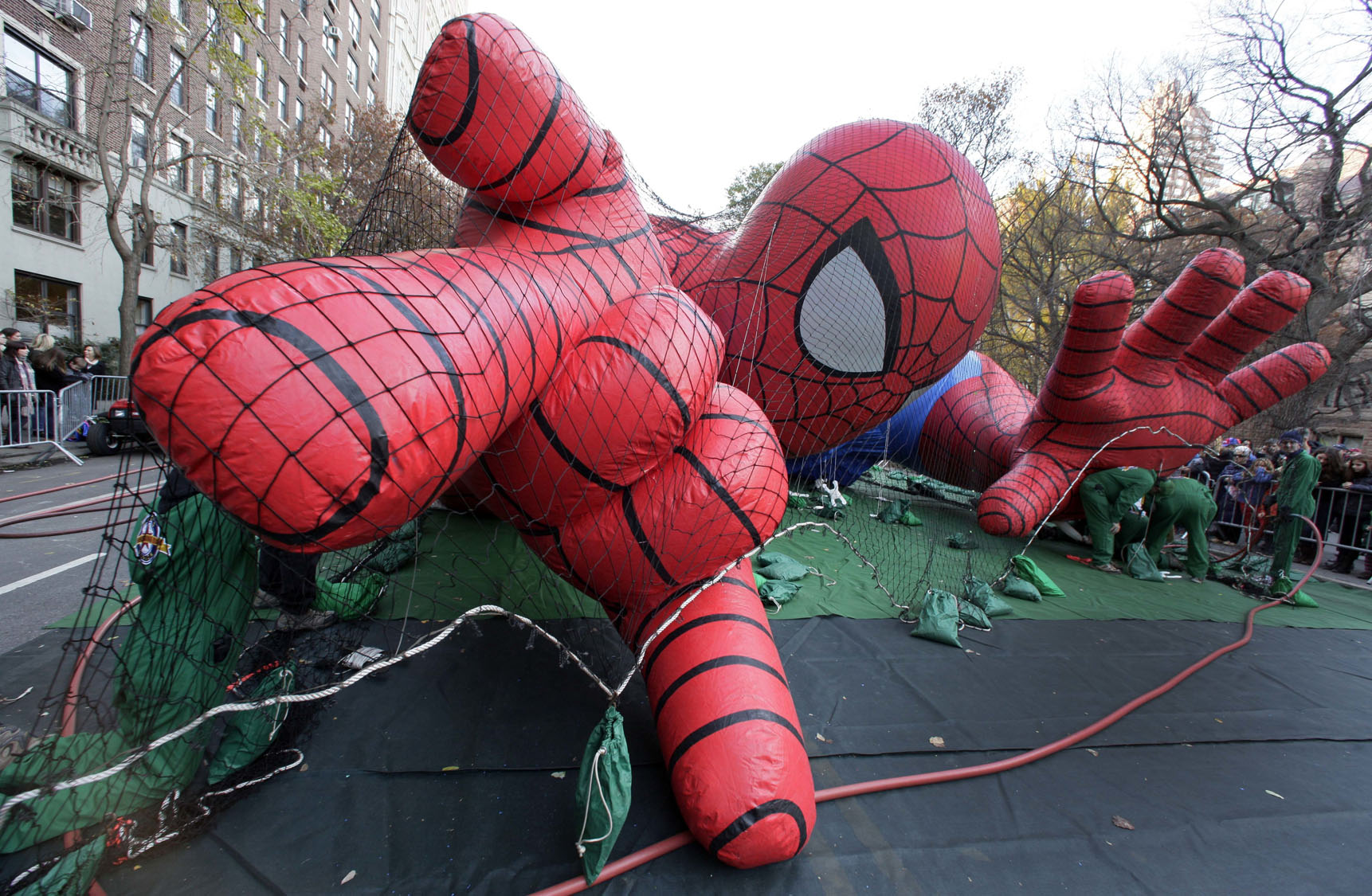 Macy's Thanksgiving Day Parade balloon inflation hours changing this year