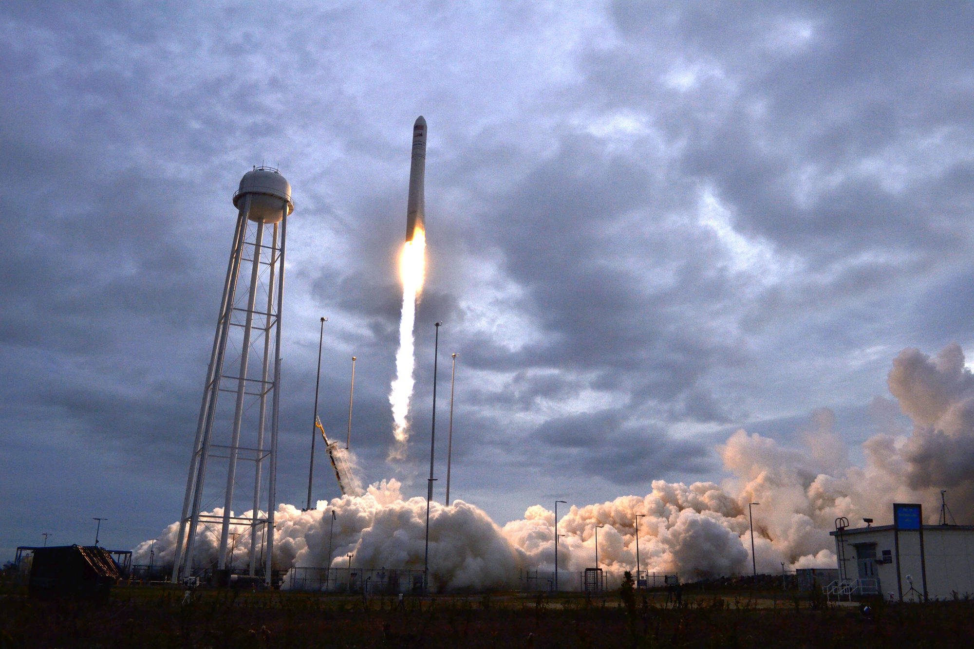 Photographing an Antares rocket launch at Wallops Island