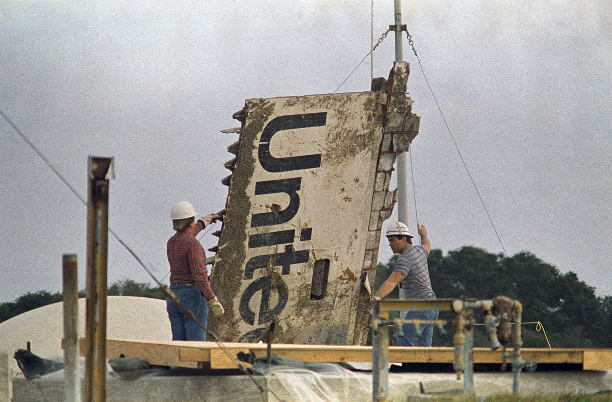 space shuttle challenger recovery - photo #23