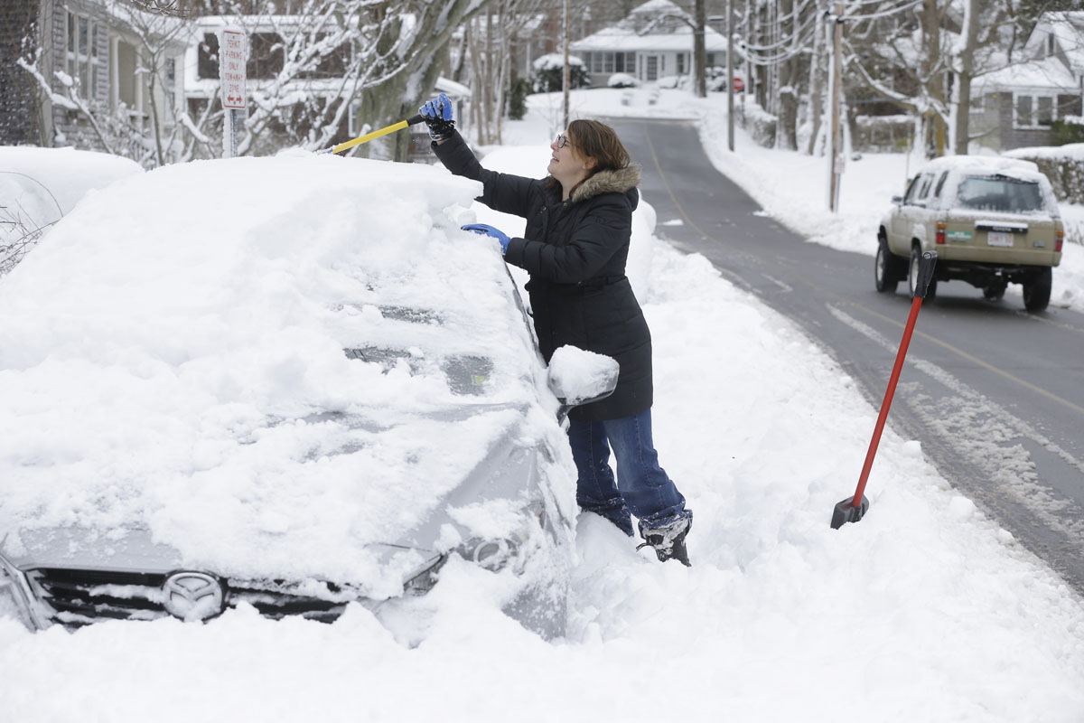 Winter Storm: Digging Out: East Coast Recovers From Winter Storm Jonas