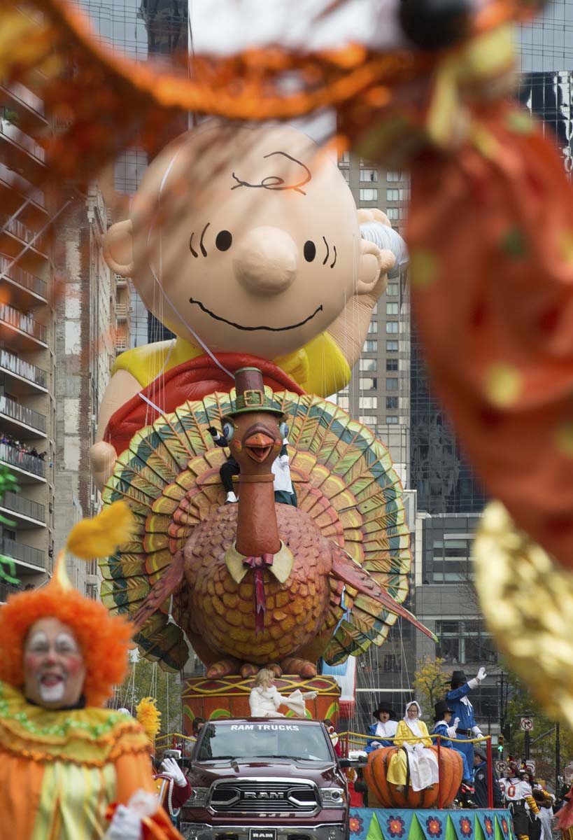 Turkey Day Hercules Style: The Best Of The Macy's Thanksgiving Day Parade 2016