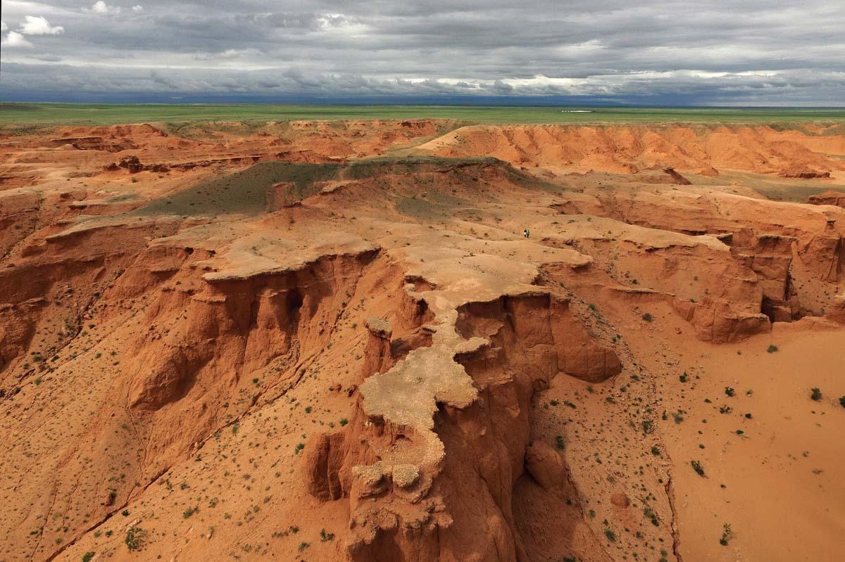 Disappearing dinosaur fossils in the Gobi desert